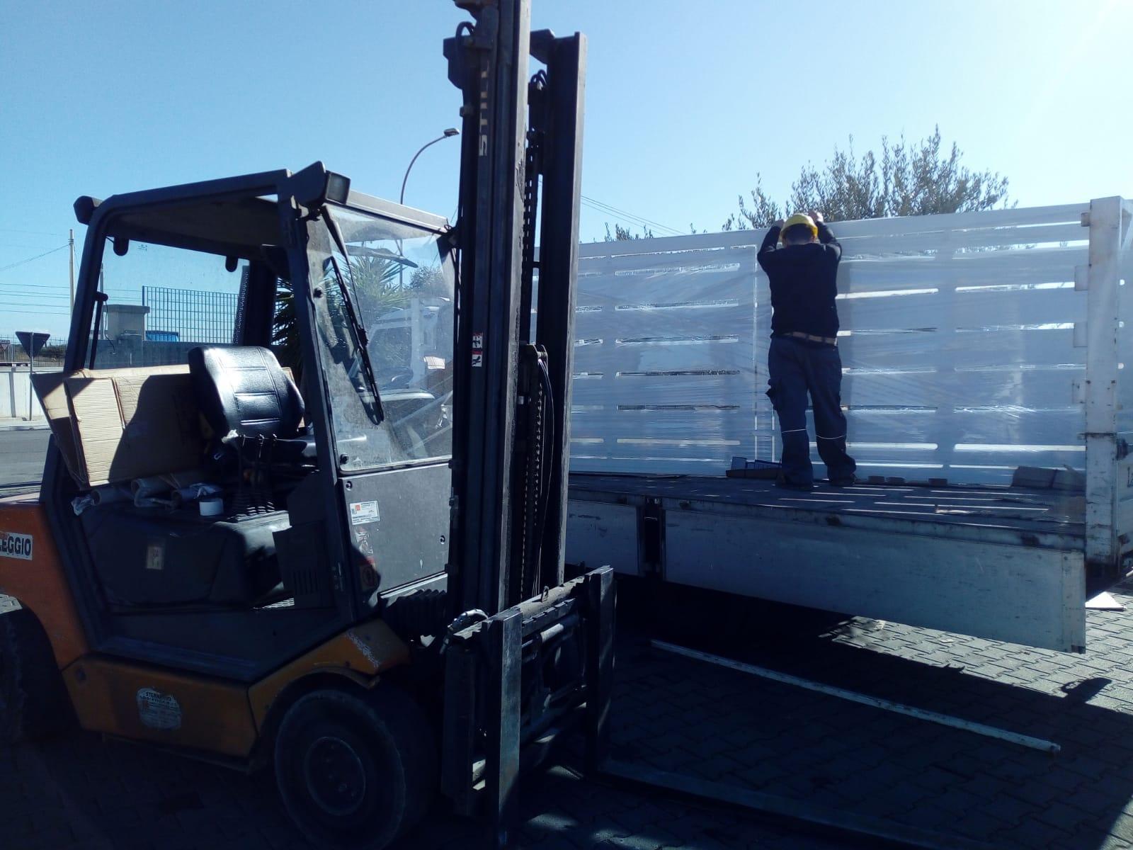 FASI DI LAVORAZIONE - Fase di trasporto cancello scorrevole pannellatura disegno taglio laser